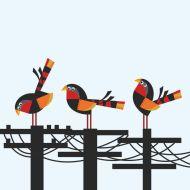 Tres pájaros, tres postes